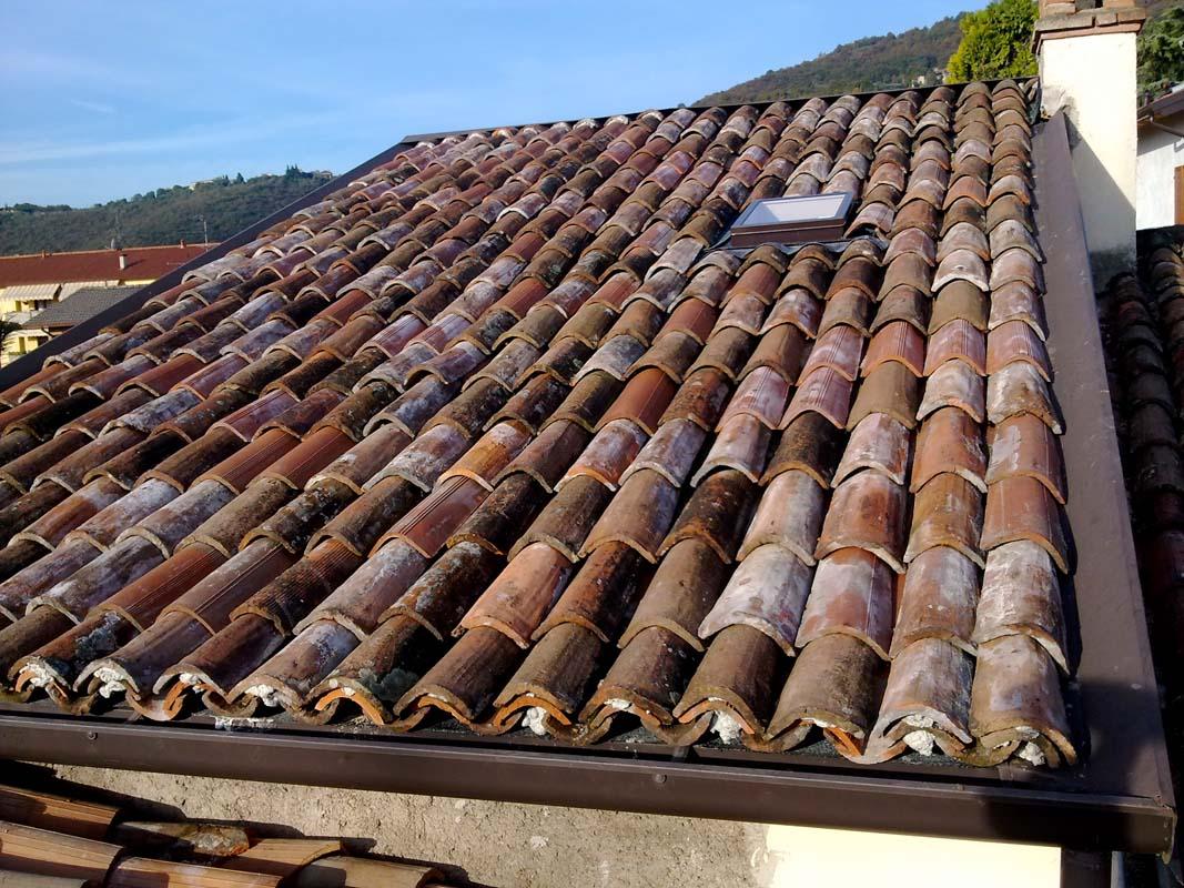 Copertura tetto con coppi recuperati facema costruzioni - Copertura a tetto ...